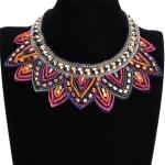 Collier ethnique en perles brodées