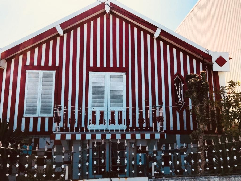 maison-rouge-costa-nova